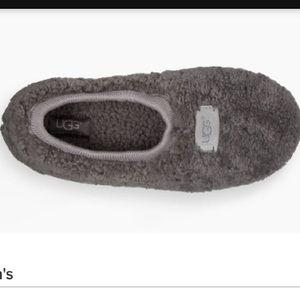 Ugh slipper